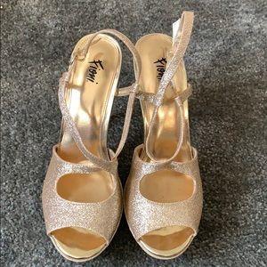 Fioni gold heels